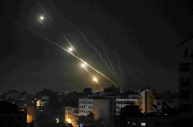 Hamas bắn hàng ngàn tên lửa sang Israel, xung đột dữ dội có thể biến thành chiến tranh tổng lực ảnh 5