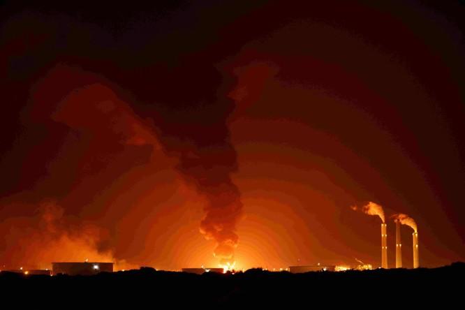 Hamas bắn hàng ngàn tên lửa sang Israel, xung đột dữ dội có thể biến thành chiến tranh tổng lực ảnh 2
