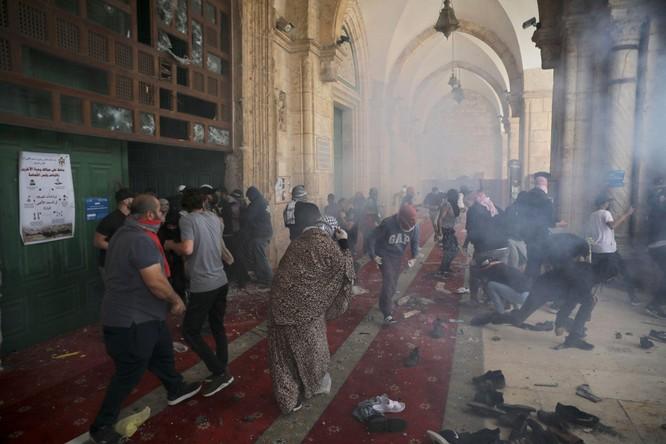 Bùng nổ xung đột dữ dội Israel - Palestine sau vụ đụng độ trong đền thờ Hồi giáo ở Jerusalem ảnh 1