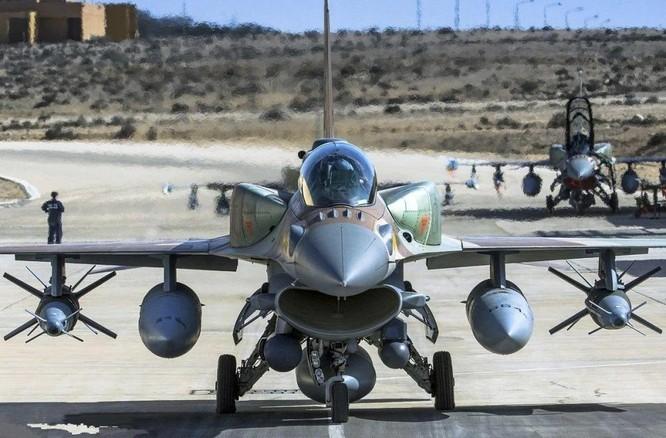 Xung đột Palestine – Israel: Hamas đổi chiến thuật phóng tên lửa; quân đội Israel tấn công mặt đất ảnh 4