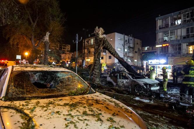 Xung đột Palestine – Israel: Hamas đổi chiến thuật phóng tên lửa; quân đội Israel tấn công mặt đất ảnh 10