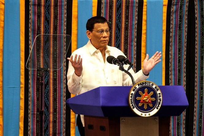 """Tổng thống Philippines: """"Dù có bị Trung Quốc giết tôi cũng không rút tàu!"""" ảnh 1"""