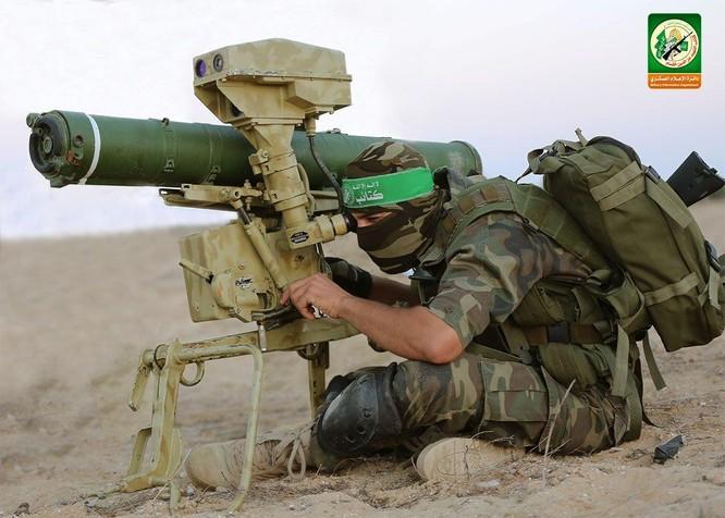 Chiến sự Israel – Palestine leo thang: Hamas dùng tên lửa bắn cháy xe tăng Israel ảnh 2