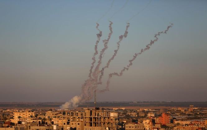 Bên nào thắng trong cuộc đấu ác liệt giữa tên lửa Hamas và hệ thống Vòm Sắt của Israel? ảnh 8