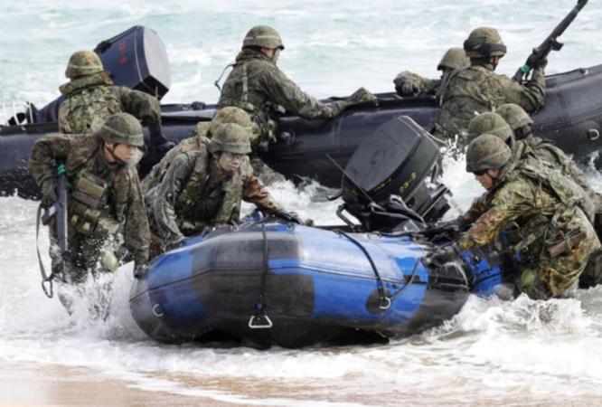 Nhật Bản tập trận và xây dựng thêm lực lượng đối phó Trung Quốc ở quần đảo tranh chấp ảnh 2