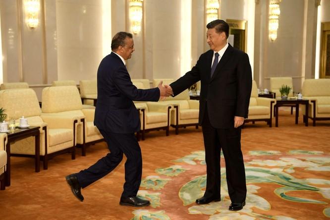 Tổng Giám đốc WHO bất ngờ kêu gọi Trung Quốc cởi mở, hợp tác truy xuất nguồn gốc SARS-CoV-2 ảnh 1