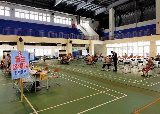 Đài Loan: Sau hai ngày tiêm vaccine, 11 người già có bệnh nền tử vong, vì sao? ảnh 2
