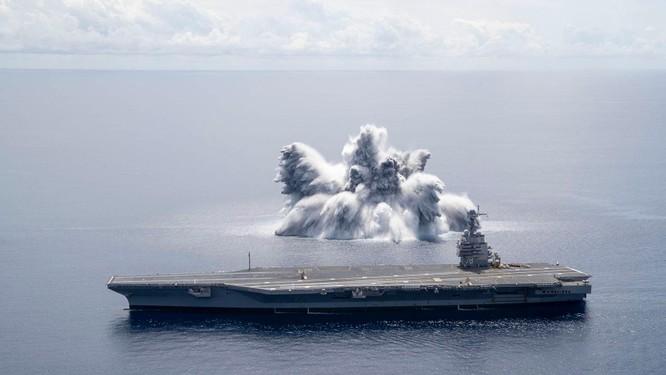 Hải quân Mỹ sử dụng hàng chục tấn thuốc nổ để thử nghiệm độ bền của loại tàu sân bay mới ảnh 3