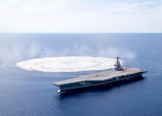 Hải quân Mỹ sử dụng hàng chục tấn thuốc nổ để thử nghiệm độ bền của loại tàu sân bay mới ảnh 1