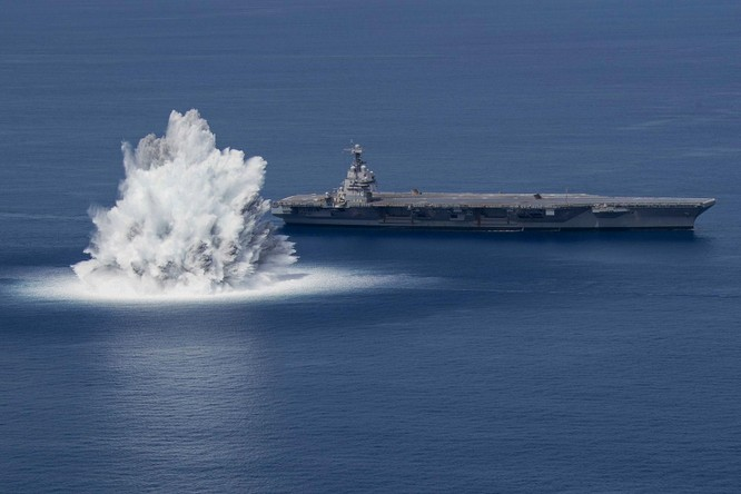 Hải quân Mỹ sử dụng hàng chục tấn thuốc nổ để thử nghiệm độ bền của loại tàu sân bay mới ảnh 2