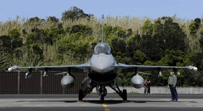 Reuters: Mỹ bán 2,5 tỉ USD vũ khí cho Philippines để giúp ngăn chặn Trung Quốc ảnh 1