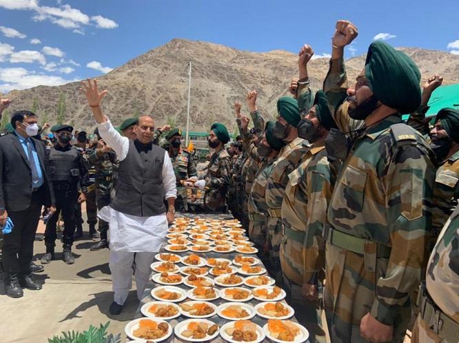 Biên giới Trung - Ấn lại căng thẳng, Ấn Độ tăng quân, Trung Quốc cảnh báo ảnh 2