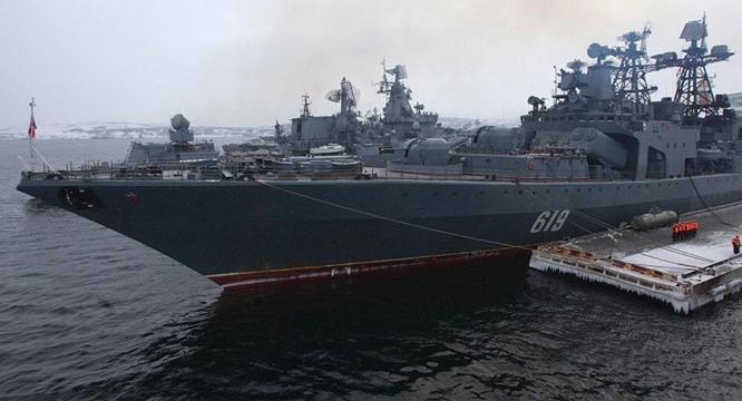 Nga đưa máy bay mang tên lửa siêu thanh tới Syria, rầm rộ tập trận trên Địa Trung Hải ảnh 1