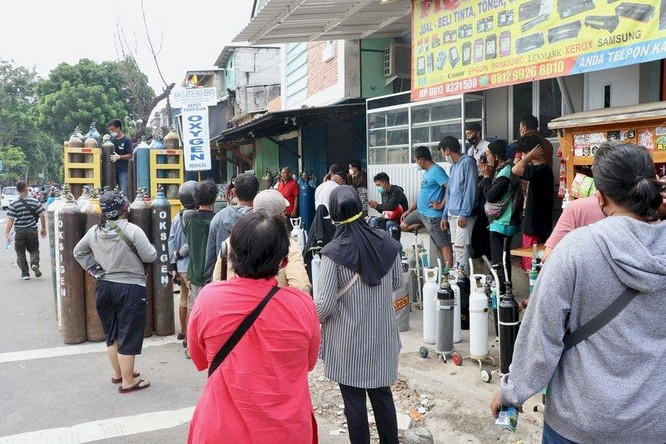 Khủng hoảng y tế nghiêm trọng ở Indonesia, 63 bệnh nhân tại một bệnh viện chết vì thiếu oxy ảnh 1