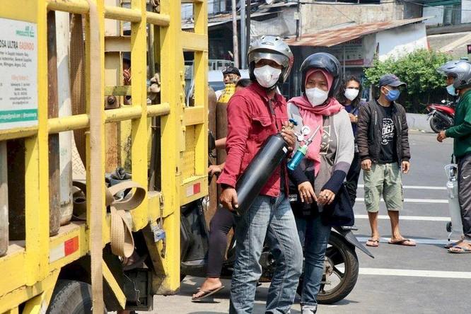 Khủng hoảng y tế nghiêm trọng ở Indonesia, 63 bệnh nhân tại một bệnh viện chết vì thiếu oxy ảnh 2