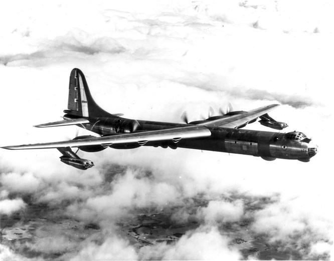 """Hồ sơ vũ khí: Không phải B-52 """"Stratofortress"""", đây mới là chiếc máy bay ném bom lớn nhất thế giới! ảnh 7"""