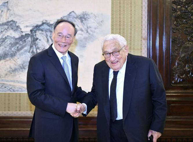 """Trung Quốc hy vọng gì khi kỷ niệm trọng thể 50 năm chuyến đi """"phá băng"""" của Kissinger tới Bắc Kinh ảnh 5"""