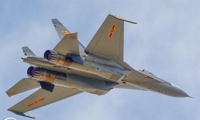 Không quân Trung Quốc bắt đầu thay đổi kiểu sơn máy bay để giữ bí mật ảnh 3