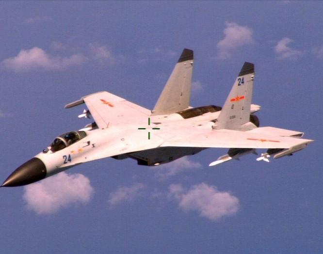 Không quân Trung Quốc bắt đầu thay đổi kiểu sơn máy bay để giữ bí mật ảnh 2