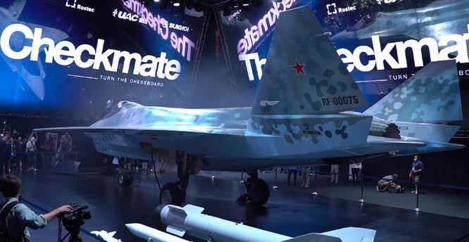 """Chùm ảnh mới được công bố về máy bay chiến đấu tàng hình bí ẩn """"Chiếu tướng"""" của Nga ảnh 8"""