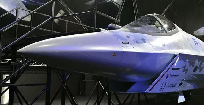 """Chùm ảnh mới được công bố về máy bay chiến đấu tàng hình bí ẩn """"Chiếu tướng"""" của Nga ảnh 6"""