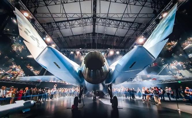 """Chùm ảnh mới được công bố về máy bay chiến đấu tàng hình bí ẩn """"Chiếu tướng"""" của Nga ảnh 9"""