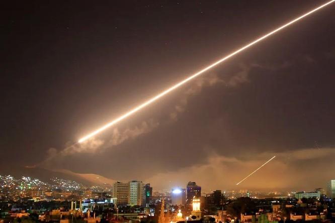 Hệ thống phòng không do Nga sản xuất bắn rụng tên lửa không đối đất của Israel tấn công Syria ảnh 2
