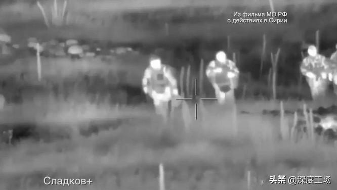 Lộ hình ảnh các chiến binh robot của Nga tiêu diệt lực lượng phản loạn Syria trên chiến trường ảnh 3