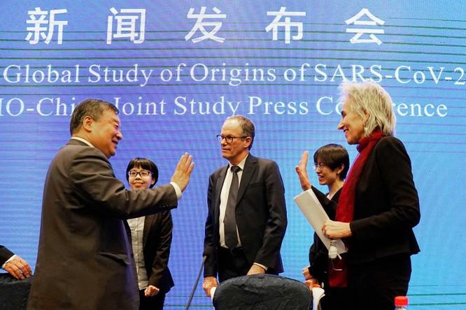 Quan chức và giới khoa học các nước kêu gọi điều tra nguồn gốc SARS-CoV-2, Trung Quốc vẫn bác bỏ ảnh 2