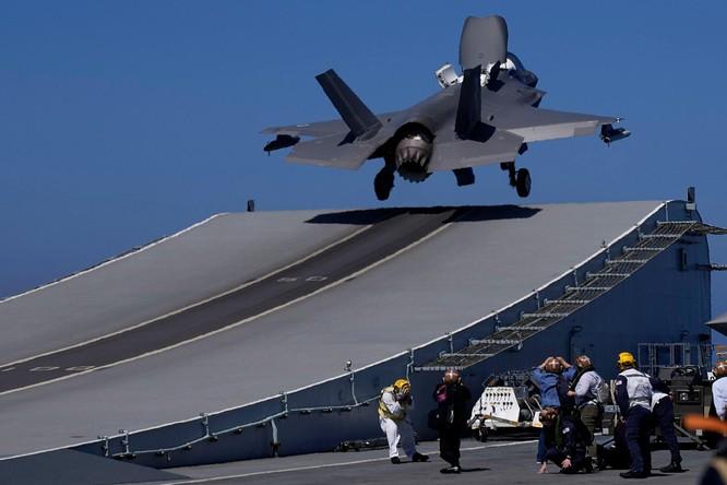 Tàu sân bay Anh Queen Elizabeth tới Biển Đông, Trung Quốc lớn tiếng đe dọa bắt chước Nga tấn công ảnh 4
