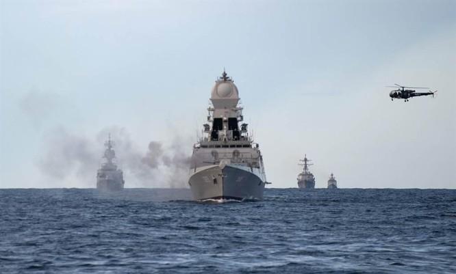 Mỹ và các đồng minh liên tiếp thể hiện ở Biển Đông, Trung Quốc cảnh báo không thể để yên ảnh 1