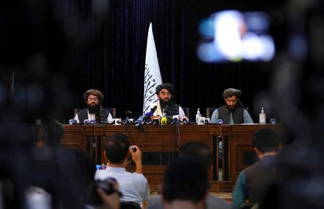 Diễn biến mới nhất từ Afghanistan: Phó Tổng thống Saleh tuyên bố kháng chiến! ảnh 1