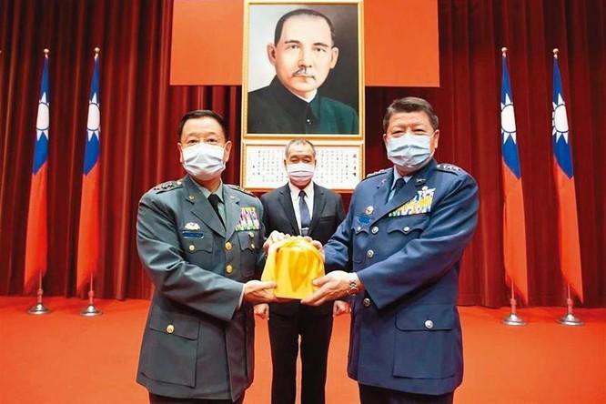 Vụ án gián điệp Trung Quốc lớn nhất lịch sử Đài Loan: hai cựu sĩ quan bị khám nhà và thẩm vấn ảnh 5