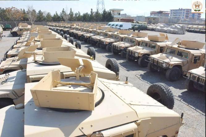 Lo ngại Taliban chuyển các vũ khí thu được cho Trung Quốc và Nga, Mỹ có kế hoạch không kích phá hủy ảnh 2