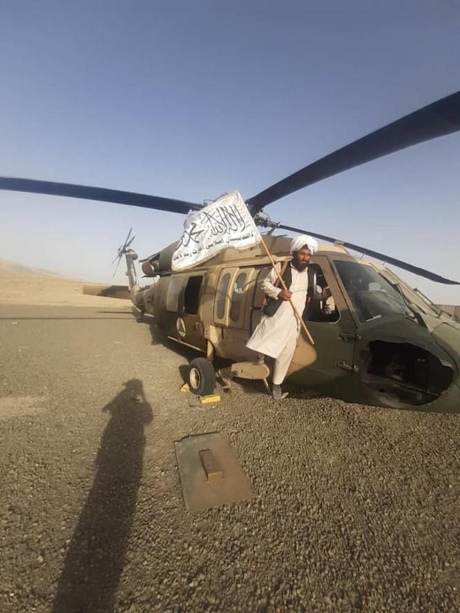 Lo ngại Taliban chuyển các vũ khí thu được cho Trung Quốc và Nga, Mỹ có kế hoạch không kích phá hủy ảnh 6