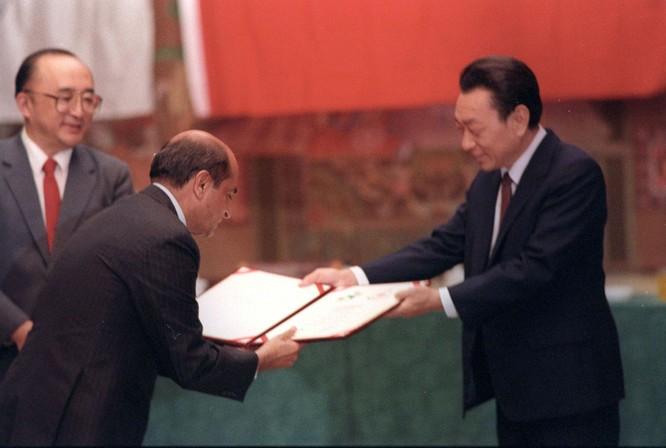 Những tù nhân đặc biệt ở nhà tù Tần Thành (kỳ 1): Bí thư Bắc Kinh Trần Hy Đồng tham nhũng và tha hóa ảnh 2