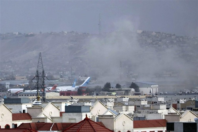 Số nạn nhân trong vụ đánh bom khủng bố ở Kabul đã lên tới 261 người ảnh 4