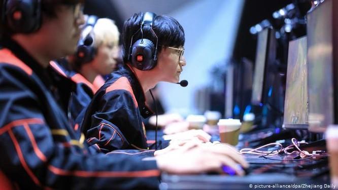 """Coi trò chơi điện tử trực tuyến là """"Thuốc phiện tinh thần"""", Trung Quốc siết chặt quản lý ảnh 1"""