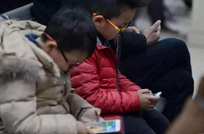"""Coi trò chơi điện tử trực tuyến là """"Thuốc phiện tinh thần"""", Trung Quốc siết chặt quản lý ảnh 2"""