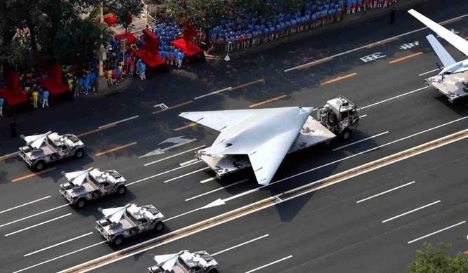 """Trung Quốc khoe """"máy bay không người lái tấn công tàng hình GJ-11 gây chấn động Mỹ, Anh"""" ảnh 2"""