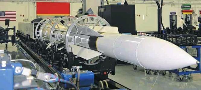 Mỹ phóng thành công tên lửa đa năng SM-6 từ tàu mặt nước không người lái ảnh 4