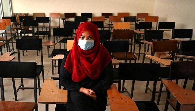 """""""Chúng tôi đang quay trở lại 20 năm trước"""": Taliban bắt nam nữ học riêng ảnh 1"""