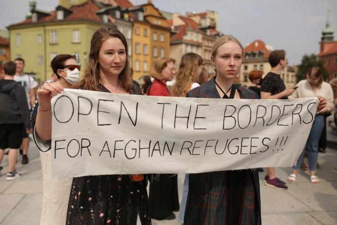Afghanistan: Taliban nắm quyền, tấn bi kịch người tị nạn bỏ nước ra đi tái diễn ảnh 7