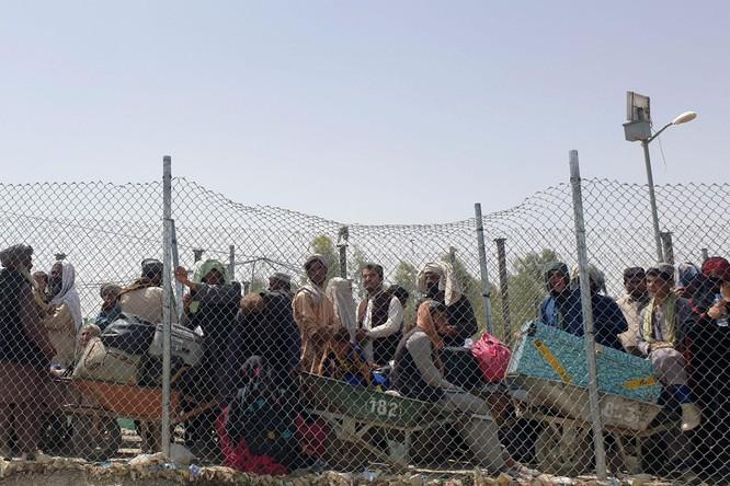 Afghanistan: Taliban nắm quyền, tấn bi kịch người tị nạn bỏ nước ra đi tái diễn ảnh 4