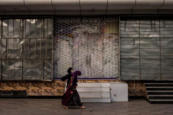 Afghanistan thời Taliban: nam sinh trung học được đến trường, nữ quên đi! ảnh 3