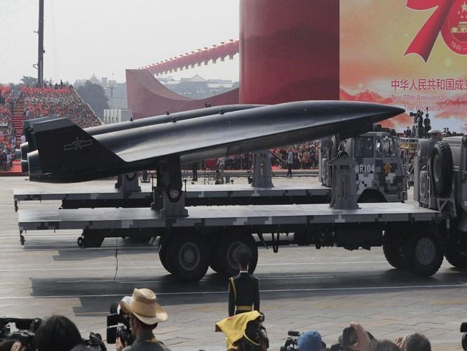 Trung Quốc lần đầu tiên trình làng máy bay không người lái bí ẩn nhất ảnh 2