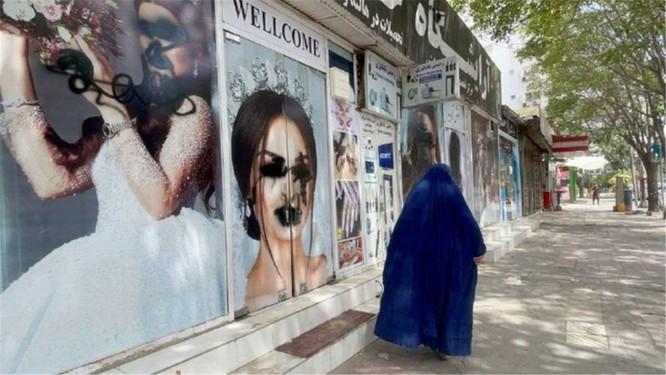 Treo cổ, chặt tay, cấm cắt tóc cạo râu...Taliban đang quay trở lại bản chất thật ở Afghanistan ảnh 4