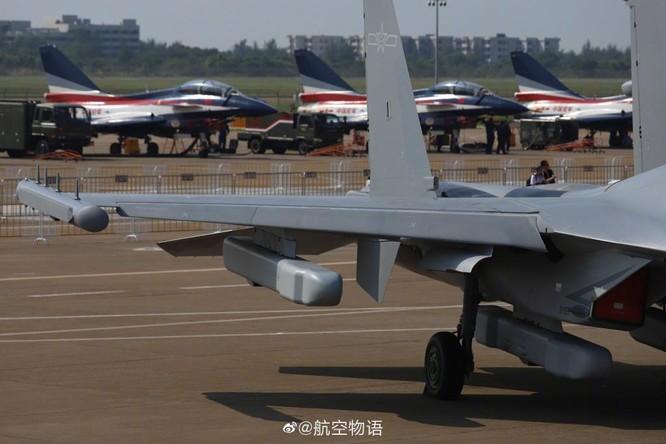"""Khám phá máy bay tác chiến điện tử J-16D """"mạnh nhất thế giới"""" Trung Quốc lần đầu trình làng ảnh 5"""