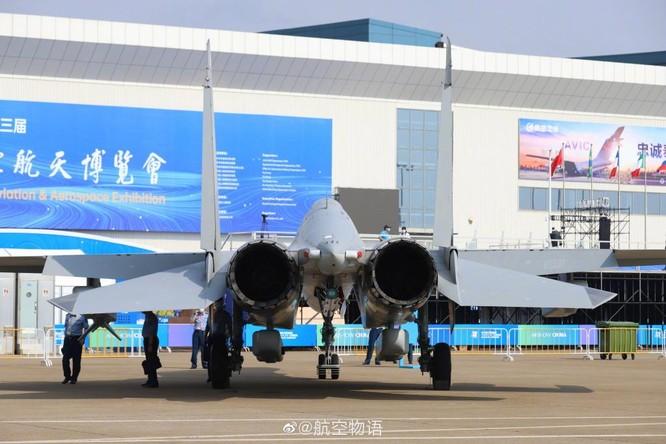 """Khám phá máy bay tác chiến điện tử J-16D """"mạnh nhất thế giới"""" Trung Quốc lần đầu trình làng ảnh 2"""