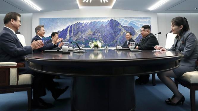 Bà Kim Yo-jong, em gái nhà lãnh đạo Kim Jong-un được bầu vào Hội đồng nhà nước Triều Tiên ảnh 2
